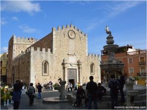Taormina_Piazza Duomo