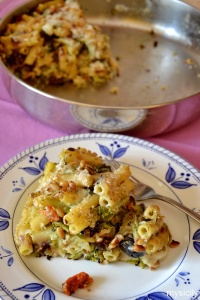 Food_Pasta al forno con broccoli, formaggio, noci