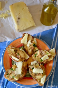 Food_Bruschette_carciofi_pecorino