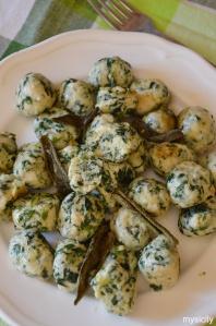 Food_Gnocchi di spinaci e ricotta. Gnudi