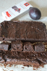Food_Brownies al cioccolato e avocado